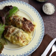 Involtini Con La Verza: Italian Cabbage Rolls Paleofied with Low Carb Option.